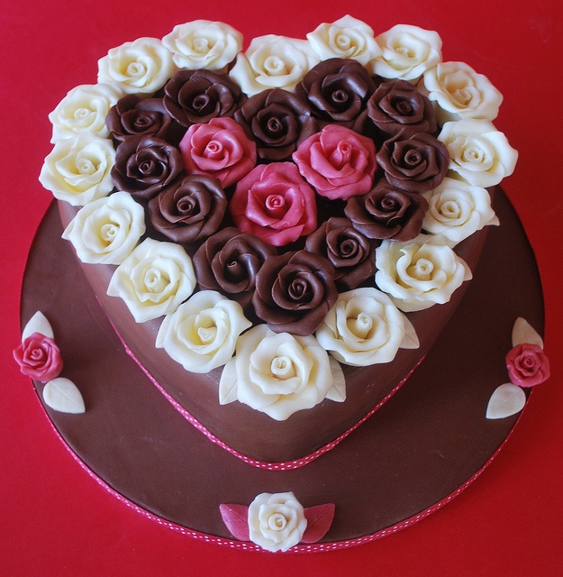 Valentine's Day Cake by Little Louis Home Bakery,: Valentines Cakes, Anniversaries Ideas, Valentines Day Ideas, Cakes Tips, Anniversaries Cakes, Minis Cupcake, Beautiful Cakes, Decor Minis, Rose Cakes