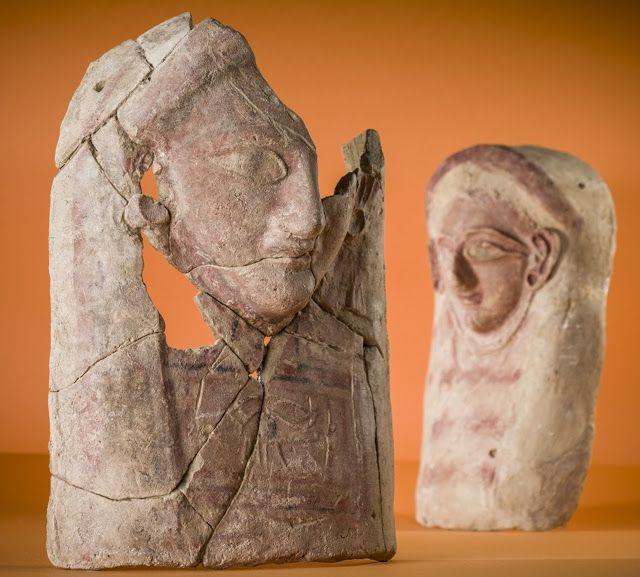 Ceramica teste femminili scoperti nell'antica discarica libanese