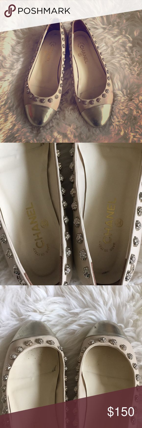 Chanel Camellia Flower Detail Flats Italy 39 US 8 Pre-owned Chanel Flats. 39C, fits like US 8. Chanel logo on the back outside. Flaws as shown in pictures. Please let me know if you have any questions. No box, no dust bags and no returns! CHANEL Shoes Flats & Loafers
