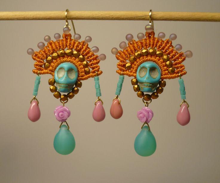 Grandes boucles d'oreilles en macramé et perles, hommage à l'art de Frida Kahlo