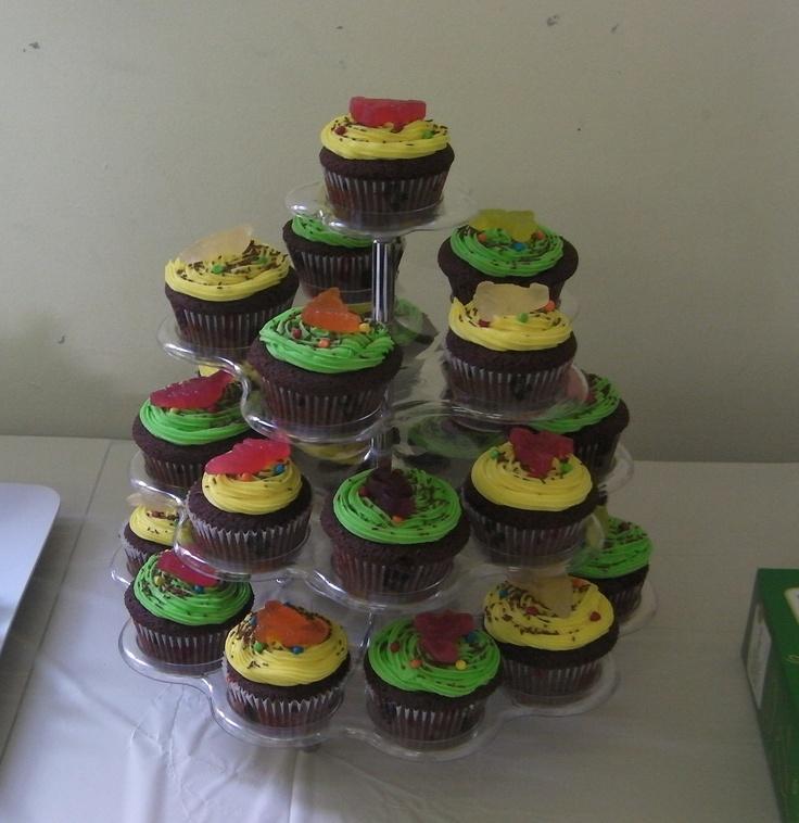 Dinosaur chocolate cupcakes