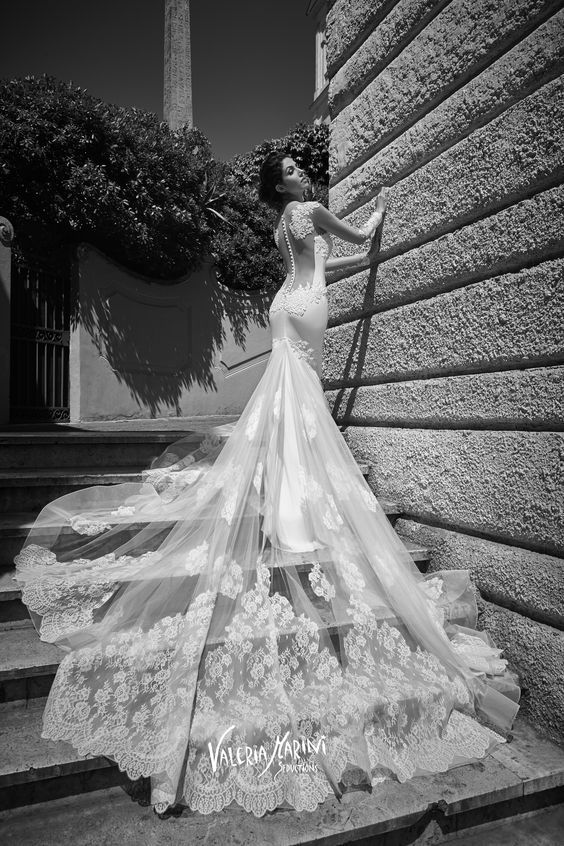 Featured Wedding Dress: Atelier Signore; www.ateliersignore.it; Wedding dress idea.