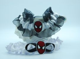 Spider-man themed garter set.
