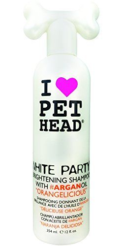 Aus der Kategorie Shampoos  gibt es, zum Preis von EUR 9,36  Pet Head Dog - White Party Shampoo<br /> <br /> White Party Shampoo von Pet Head lässt das Fell Ihres Vierbeiners heller, glänzender und lebendiger denn je erscheinen und duftet angenehm nach frischer Orange. Arganöl nährt und stärkt das Fell und versorgt die Haut mit Feuchtigkeit. Natürliche Zitronensäure und Vitamin B3 tragen dazu bei, dass das Fell hell und glänzend bleibt.<br /> <br /> Wichtige Vorteile<br /> speziell für Hunde…