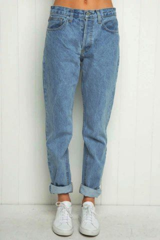 High-waisted boyfriend jeans