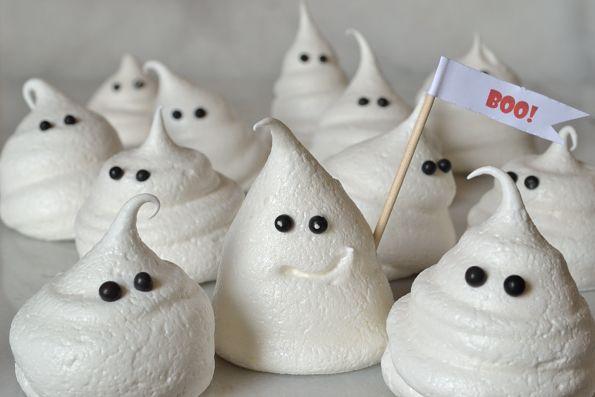 Meringue Ghosts: Halloween Boo, Halloween Party Idea, Halloween Idea ...