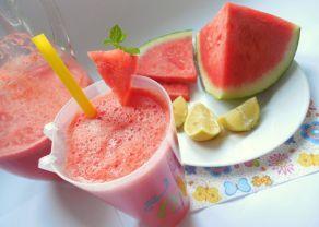 Fotografie článku: Recept na melounovou limonádu krok za krokem
