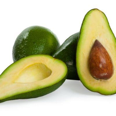Συμβουλές από διάσημο μάγειρα για τη σωστή χρήση του αβοκάντο αλλά και συνταγές για ορεκτικά και σαλάτες με αβοκάντο.