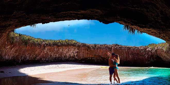 la-playa-escondida-mexico  http://supercurioso.com/5-lugares-del-mundo-que-no-podras-creer-que-existen