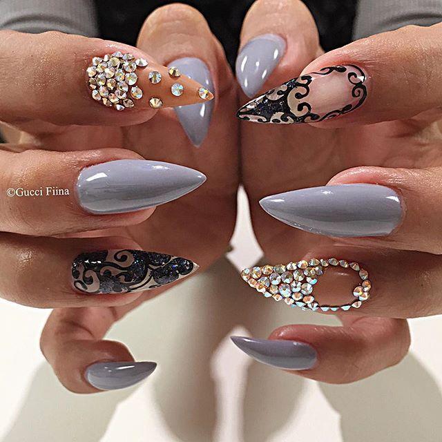 Delicate to @glo_njf #nailitmagazine #nailprodigy #nailedit #guccifiina #fiina_naillounge #happy #nails #fashion #style #hudabeauty  #beauty #pretty #stylish #sparkles #styles #glitter #nailart #opi #essie #unhas #preto #branco  #love #shiny #polish #nailpolish #nailswag #anastasiabeverlyhills #vegas_nay