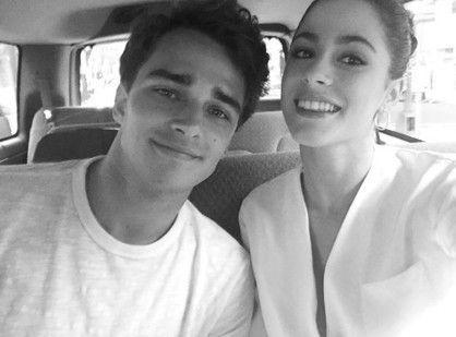 La declaración de amor de Tini Stoessel a su novio La cantante subió una romántica foto a su cuenta de Instagram y se la dedicó a su novio, el modelo español Pepe Barroso. Fuente ... http://sientemendoza.com/2017/01/03/la-declaracion-de-amor-de-tini-stoessel-a-su-novio/