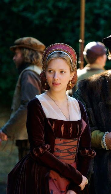 Scarlett Johansson as Mary Boleyn in The Other Boleyn Girl (2008).