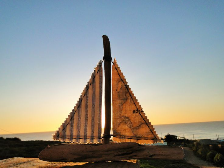 Seawood Boat   100% Hecho a mano   bote. playa.  Sector Cardonal, Curanipe, región del Maule,Chile.
