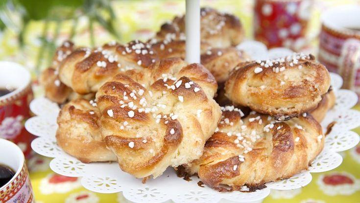 Snurror med wienerbrödskänsla. Fyllningen med kokos och vanilj ger härlig smak med mild ton.