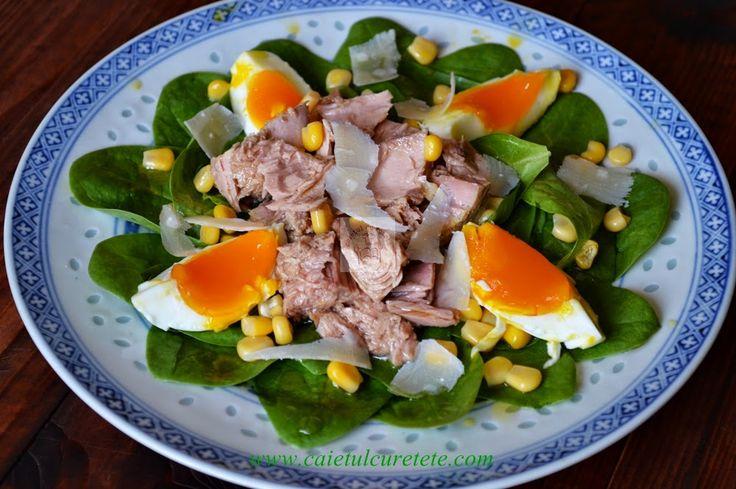 CAIETUL CU RETETE: Salata de ton cu spanac