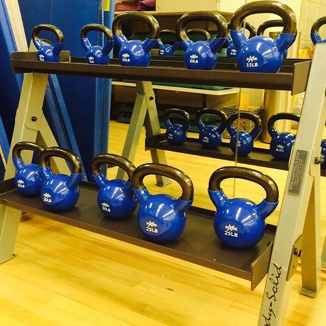 New #kettlebells and rack in the dance studio! #buildthosemuscles #bodysolid #HSCrecreation #TempleHSC by templesfc