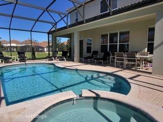 Pool and Spa @ Windsor Hills Orlando