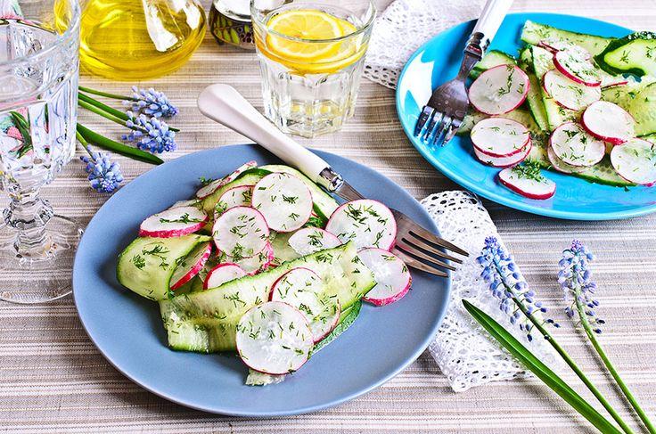 Une salade croquante et rafraîchissante, à son meilleur quand on peut la préparer à partir de produits frais locaux.