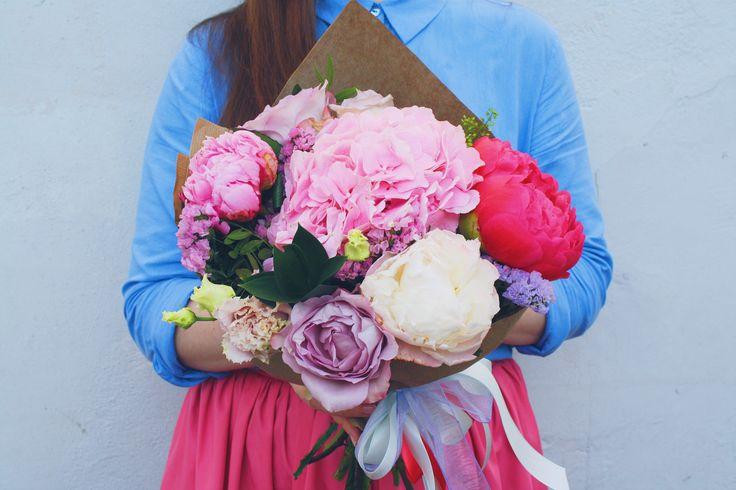 #bouquet #flowers #hydrangea #peonies #букет #цветы #гортензия #пионы. Воздушный букет с гортензией и пионами.
