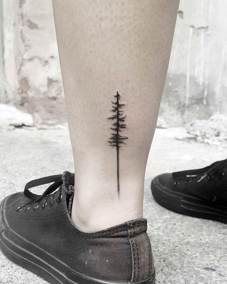 Löwen Tattoo auf Rippe #UltraCoolTattoos #Tattoosforwomen