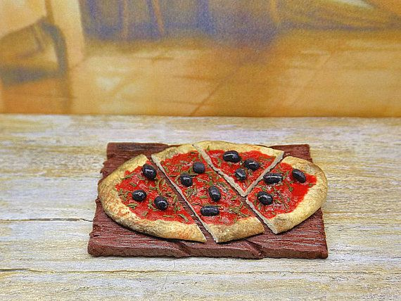 Dollhouse food miniature, pizza marinara on cutting board, 1:12 scale in polymer clay, country and rustic, bread and flatbread, kitchen doll