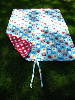 The Picnic Blanket Bottom Is A Vinyl Tablecloth, So It Can Even Be Put On  Soggy/dewy Grass!