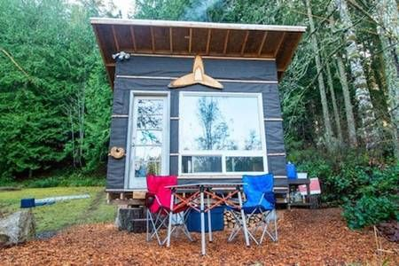 Man builds low-cost tiny home with recycled materials for $500 : TreeHugger