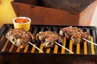Barbecuesaus. De lekkerste sauzen maak je altijd nog zelf! Bij mooi weer hoort een bbq en daar hoort barbecuesaus bij. Wens jullie een mooie zomer toe.