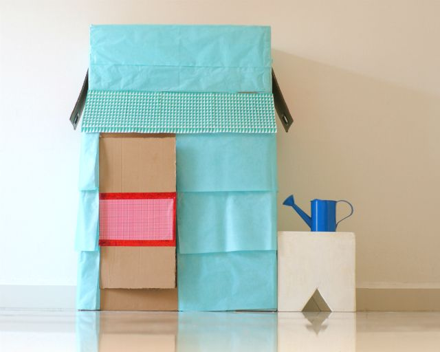Clo by clau diy playhouse from a cardboard box c mo - Como hacer una caja de carton ...