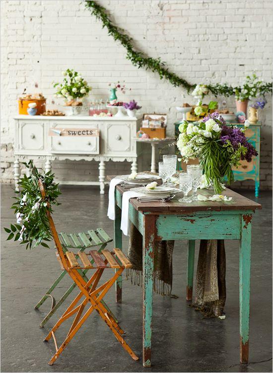 beautiful beautiful beautiful: Bridal Tables, Vintage Travel Wedding, Shabby Chic Decor, Vintage Wedding, Vintage Tables Sets, Wedding Ideas, Grooms Tables, Sweetheart Tables, Bride Groom