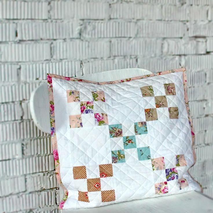 Charming white cushion/ Красивая белая подушечка #white cushion #white patchwork #white # cushion #pillow #белый #подушка белая #стежка #подушки #quilting