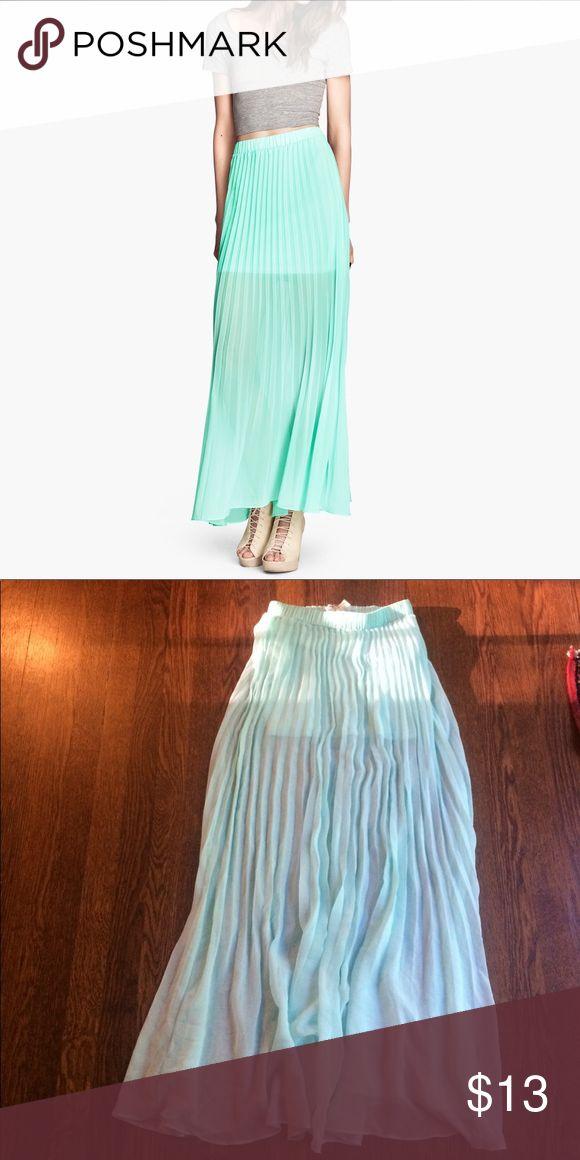 NWT H&M sheer turquoise maxi skirt NWT beautiful sheer turquoise maxi skirt with lining and pleats. H&M Skirts Maxi
