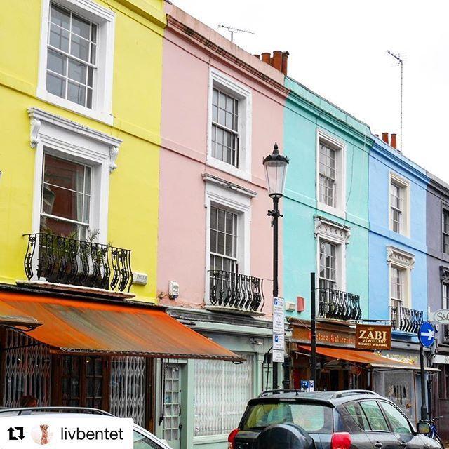 #Repost @livbentet with @get_repost  Sånne husfarger gjør noe med humøret altså  #reiseliv #reisetips