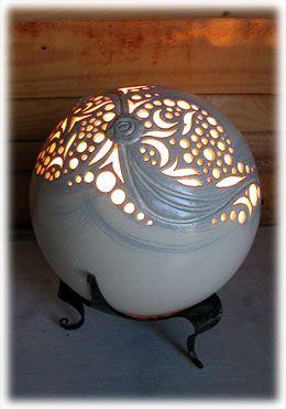 Lampes à poser en céramique ajourée