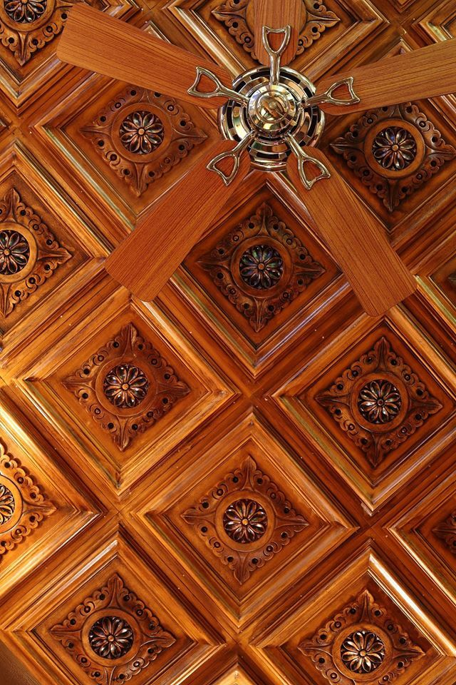 old english pub interior design ceiling detail #rendahelindesign #design #works #interiordesign #interior #decoration #oldenglishpub #bagdatcadesi
