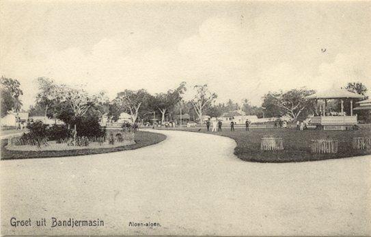 Aloen-aloen in Bandjermasin 1880-1920.