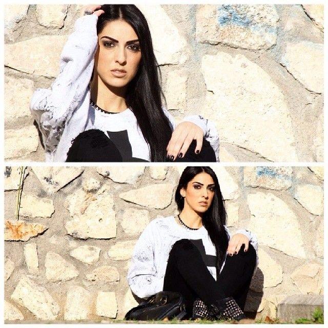 #look #casualstyle #blackandwhite #cross #simplecross #outgit #instaoutfit #igers #swag #like #tagsforlikes #scattiitaliani #followme #likeforlikes #moda #fashion #instafashion #instamoda #lookoftheday #pic #instapic #instagrammer #igaaddicted #moment #model #italiangirl #ragazzeitaliane #afashionthink #isabella #luisa