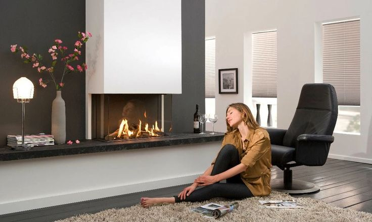 There is a beautiful simplicity to these modernistic pieces, allowing the complexity of the natural dancing flame to do the enchanting, with minimalist or non-existent surrounds and mantles. A good section of the collection is filled with flat fronted, wall-mounted pieces for a chic and sleek addition to any chimneybreast, whilst others create more of a bespoke look, including recessed letterbox shaped installations.