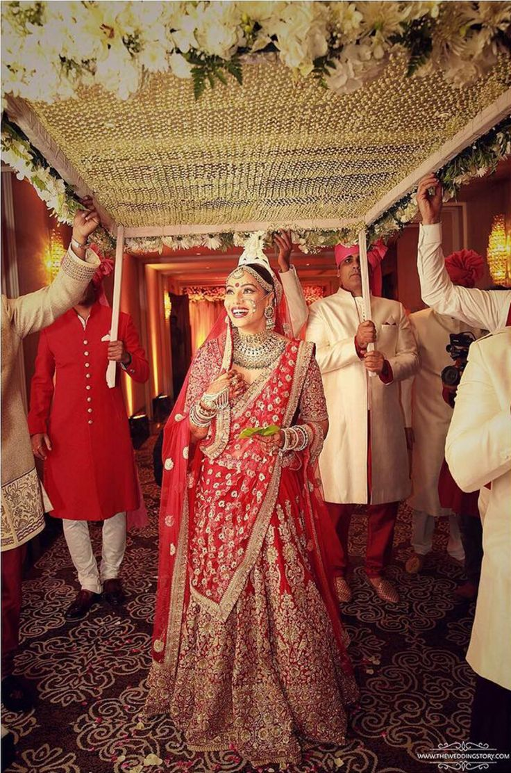 My girl, Bipasha Basu, got married this weekend!  To none other than Karan Singh Grover. Even though he's on his third (fourth?) marriage, well, I'm going to hope it lasts.  And gosh they look so cute together, having a grand time at the wedding.    Bipasha's mehndi photos were out of this world. The flower garland headpiece, those flower hath phools,  [...]