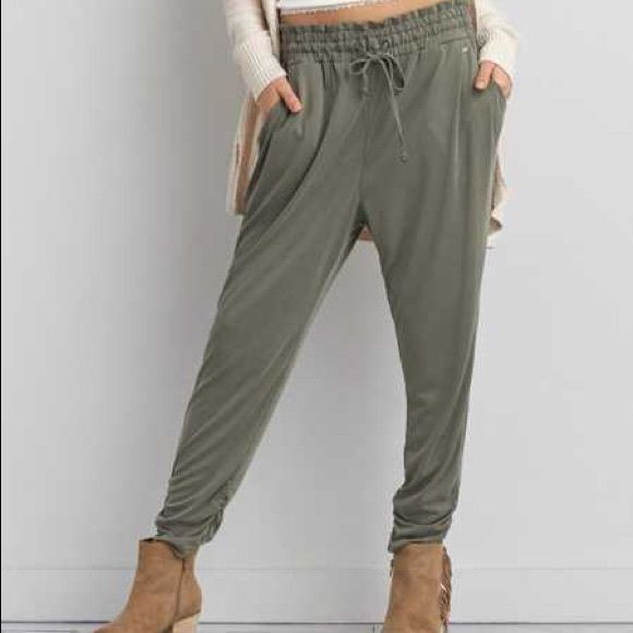 American eagle jogger soft pants These are a light olive green/army green soft pant jogger. Pockets on the sides with a winched waist and drawstring. Brand new still with tags American Eagle Outfitters Pants Track Pants & Joggers