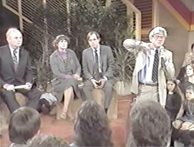 John Holt on The Phil Donahue Show — John Holt GWS Go here for a video (including ads) of John Holt and several families fielding the same old criticisms from a hostile audience of a lot of PS teachers.
