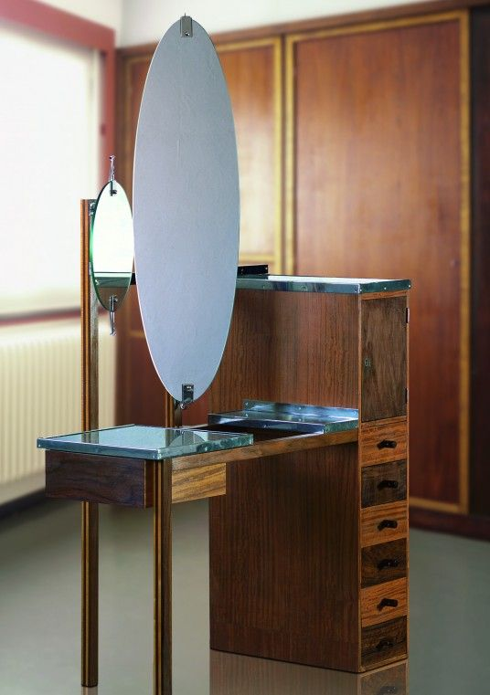 "Marcel Breuer's Lady's dressing-​table from the Bauhaus exper­i­men­tal house ""Am Horn"", Weimar, 1923"