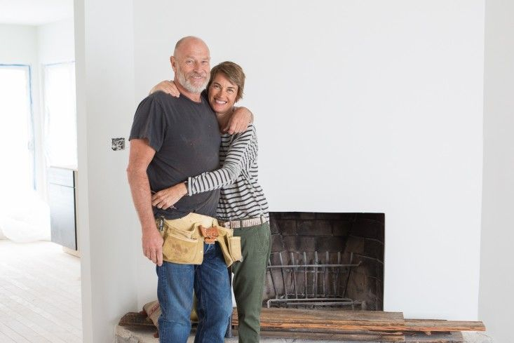 Actors Corbin Bernsen and Amanda Pays at work on a remodel | Remodelista