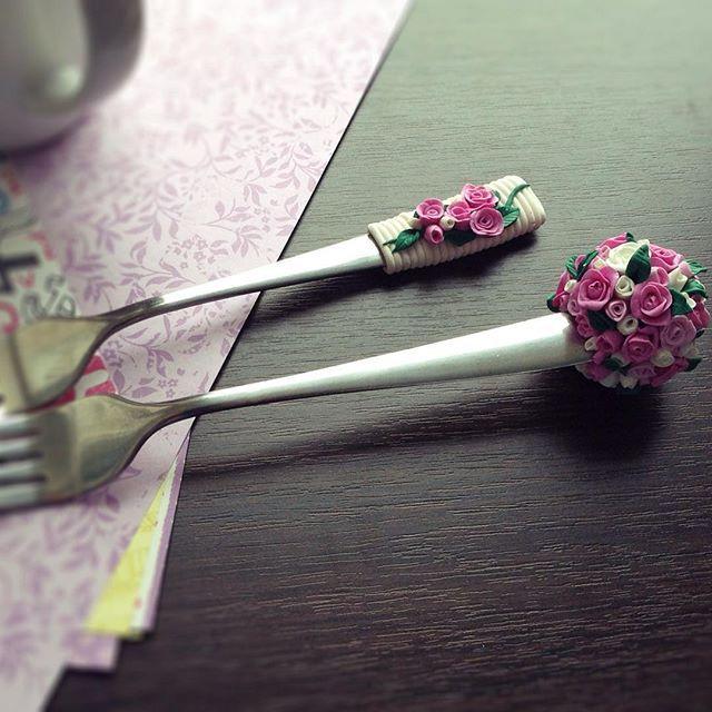 Варианты украшения цветами. #назаказ #ручнаяработа #продажа #подарок #вкуснаяложка #вкусныеложки #полимернаяглина #полимерная_глина #вилка #ложка #polymerclay #polymer_clay #fimo