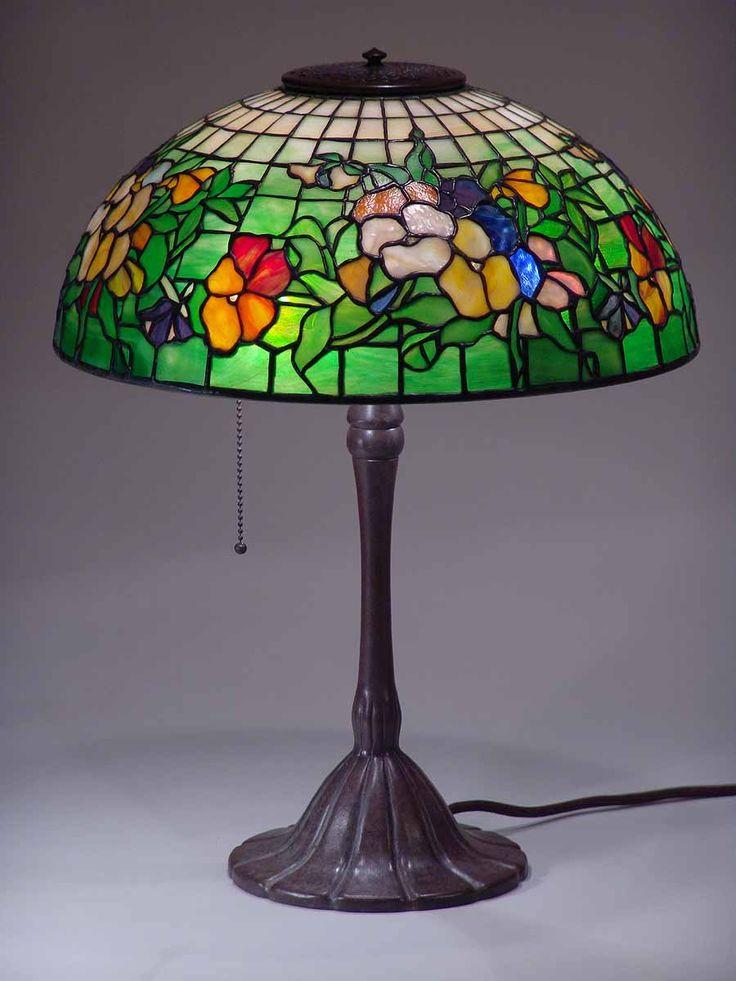 "TIFFANY LAMP 16"" PANSY on LUMIS BRONZE LAMP BASE"