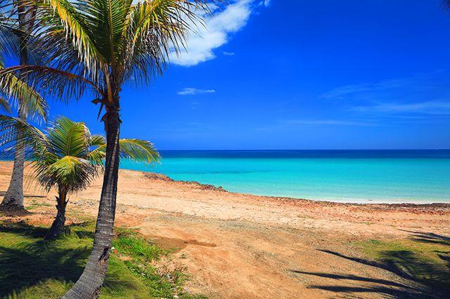 Les plus belles plages de Cuba offrent des paysages idylliques pour les amateurs de farniente sous le soleil des Caraïbes. Sable blanc, gros rouleaux poussés par le vent, plage déserte ou station balnéaire, voici les plus beaux endroits de la côte cubaine.