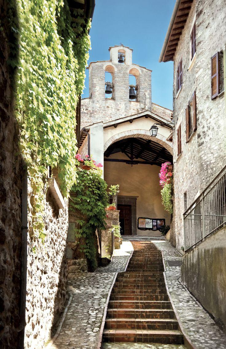 Oltre 25 fantastiche idee su portico in pietra su for Come costruire un mazzo di portico anteriore