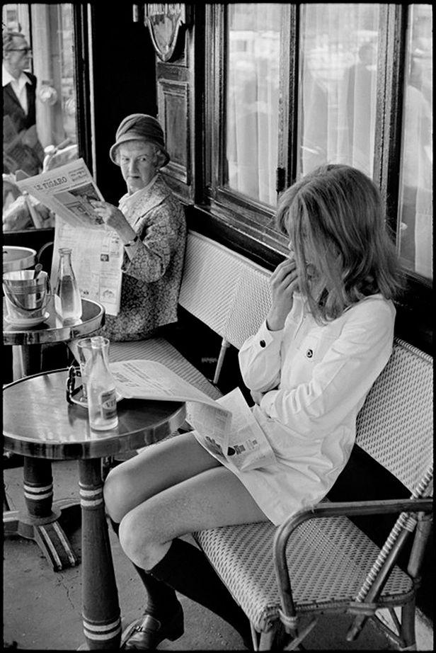 The look... Saint Germain des Prés, Brasserie Lipp, Paris, 1969. Henri Cartier-Bresson.