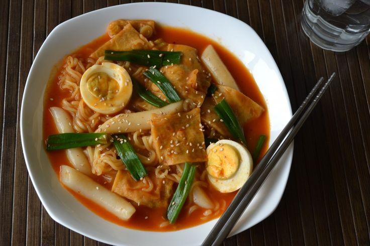 Dokbokki with noodles