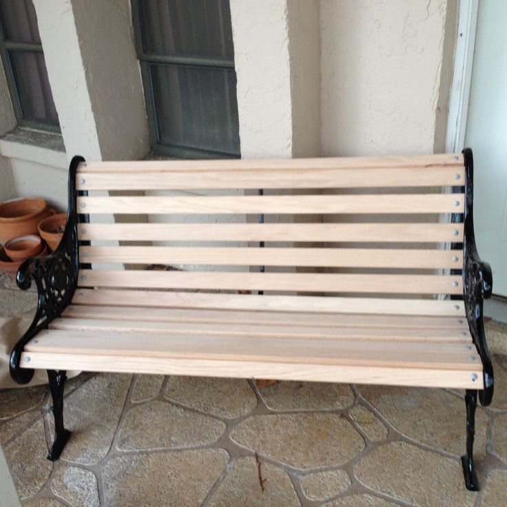 December 14, 2014 - Matty's Mom's bench.  Brother's Powder Coating did high gloss black finish on iron and Terry Pixlar (next door neighbor on Fairchild Ct.) made the white oak slats.